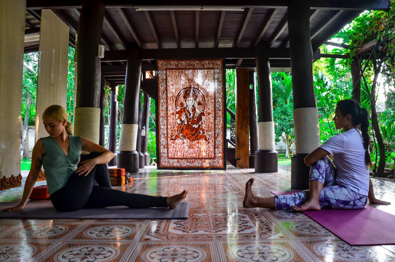 Torsioni - Yoga in Thailandia